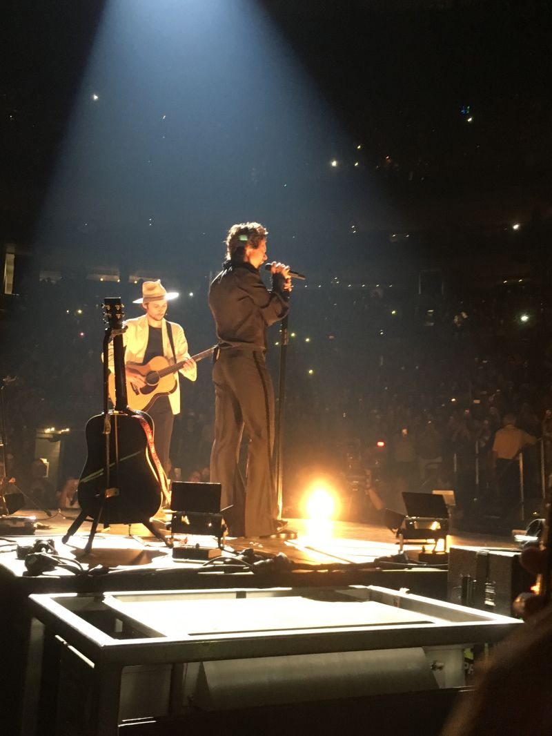 Harry Styles Lights Up Boston\'s TD Garden — From Under the Peach ...